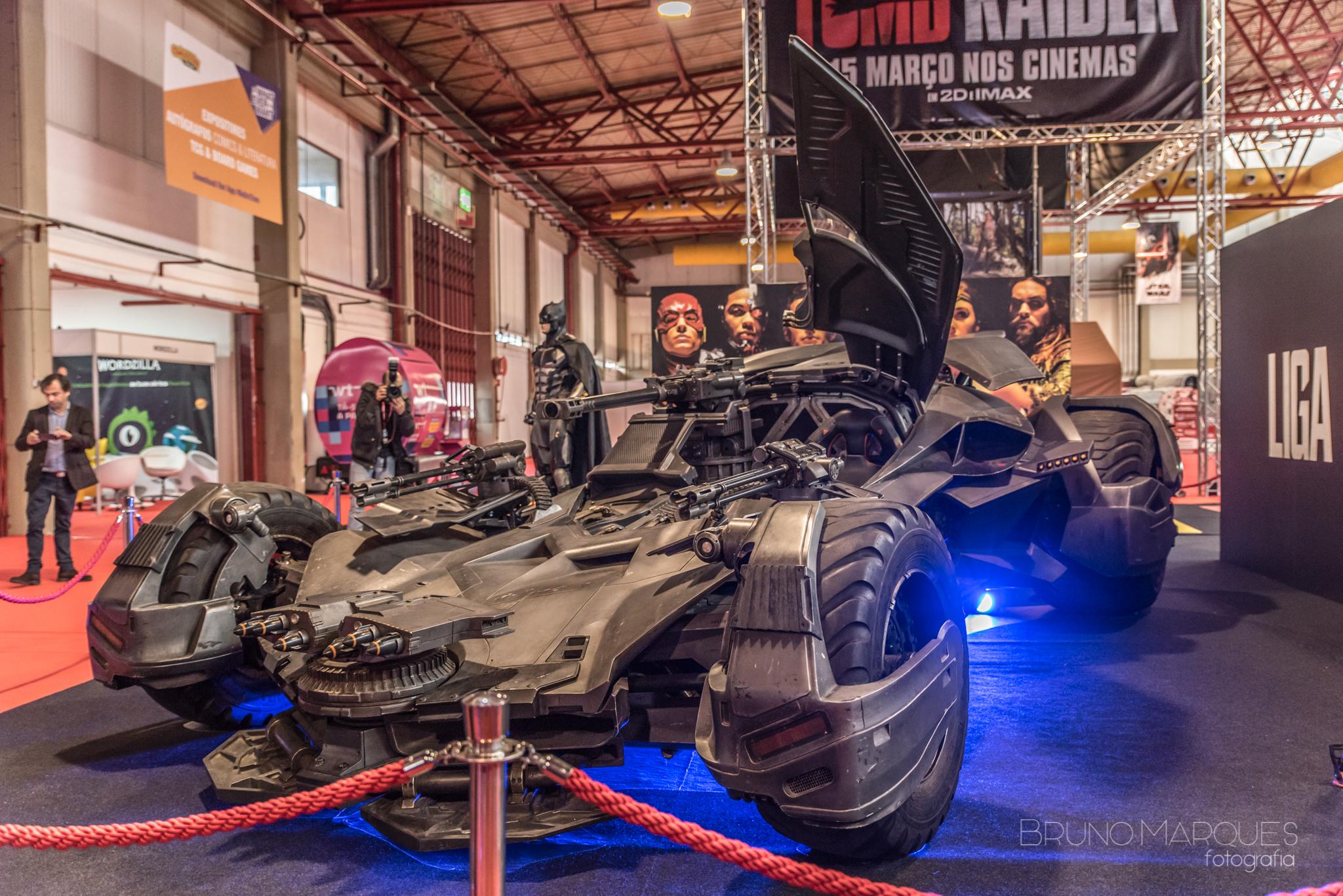 https://cinemaplanet.pt/wp-content/uploads/2017/12/Batmobile-CCPT17.jpg