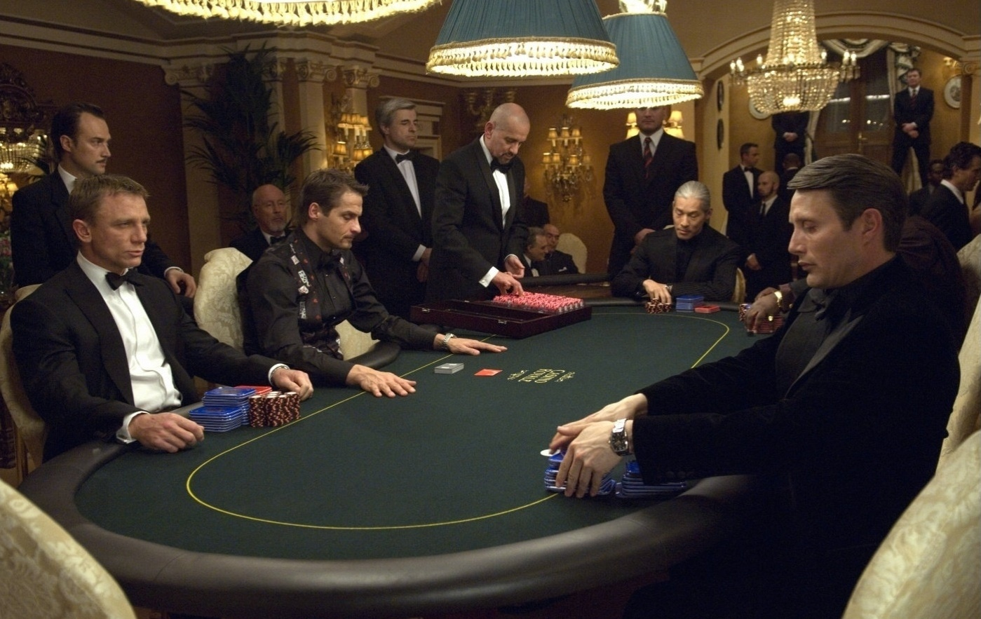 https://cinemaplanet.pt/wp-content/uploads/2017/12/Daniel-Craig-Poker.jpg