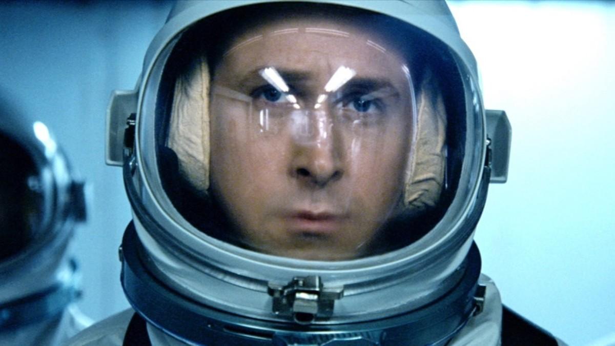 https://cinemaplanet.pt/wp-content/uploads/2018/07/first-man-ryan-gosling-promo.jpg