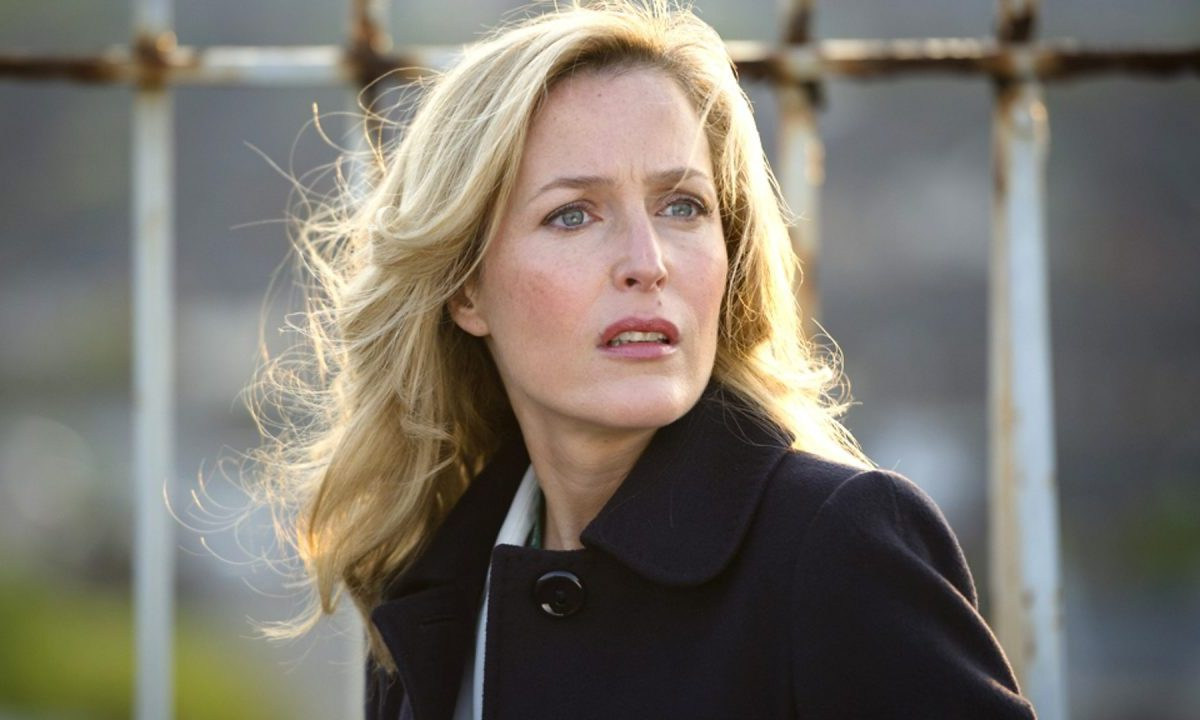 "Gillian Anderson é Thatcher em ""The Crown"""