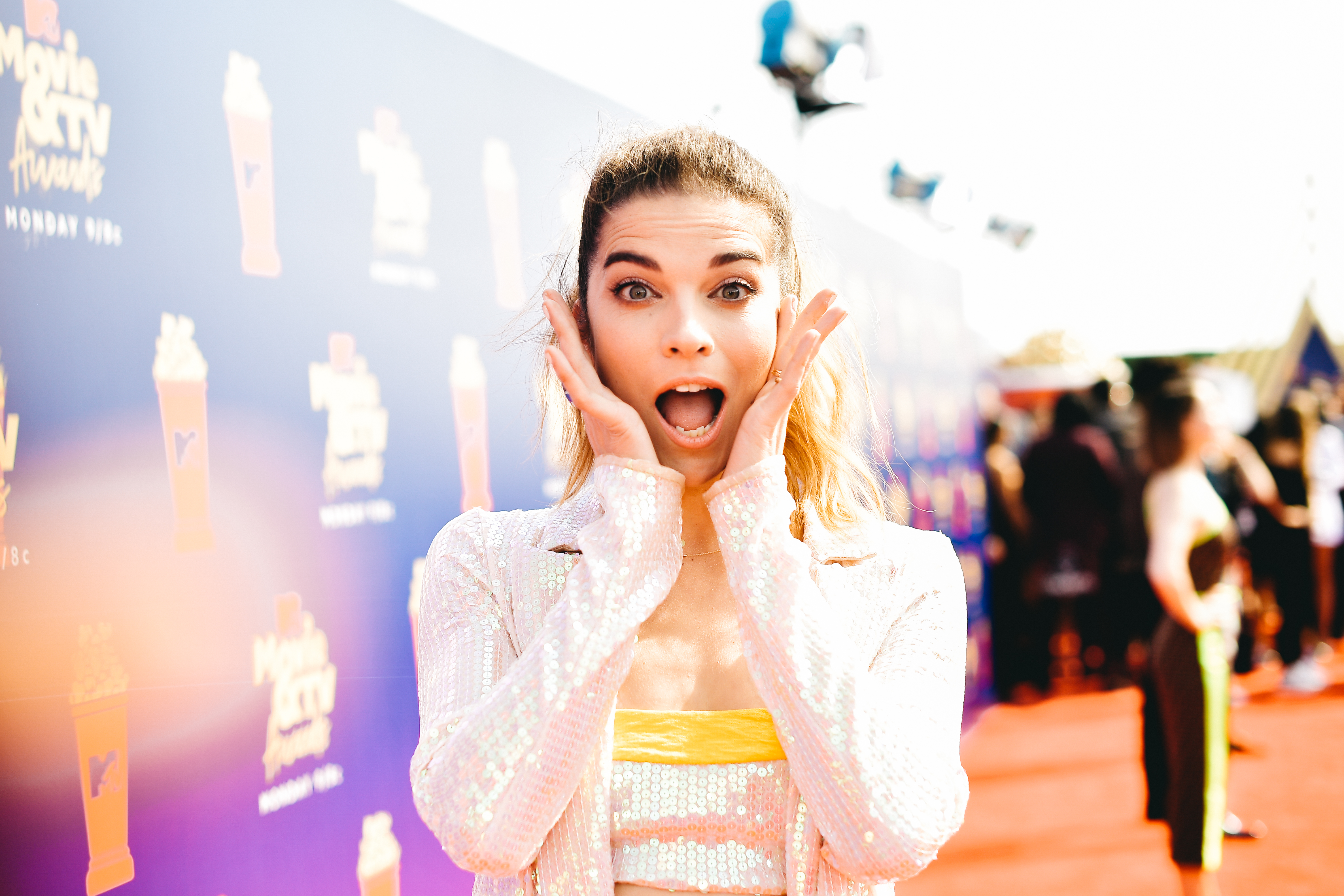 SANTA MONICA, CALIFORNIA - JUNE 15: (EDITORS NOTE: Image has been processed using digital filters)  Annie Murphy attends the 2019 MTV Movie and TV Awards. at Barker Hangar on June 15, 2019 in Santa Monica, California. (Photo by Matt Winkelmeyer/Getty Images for MTV)