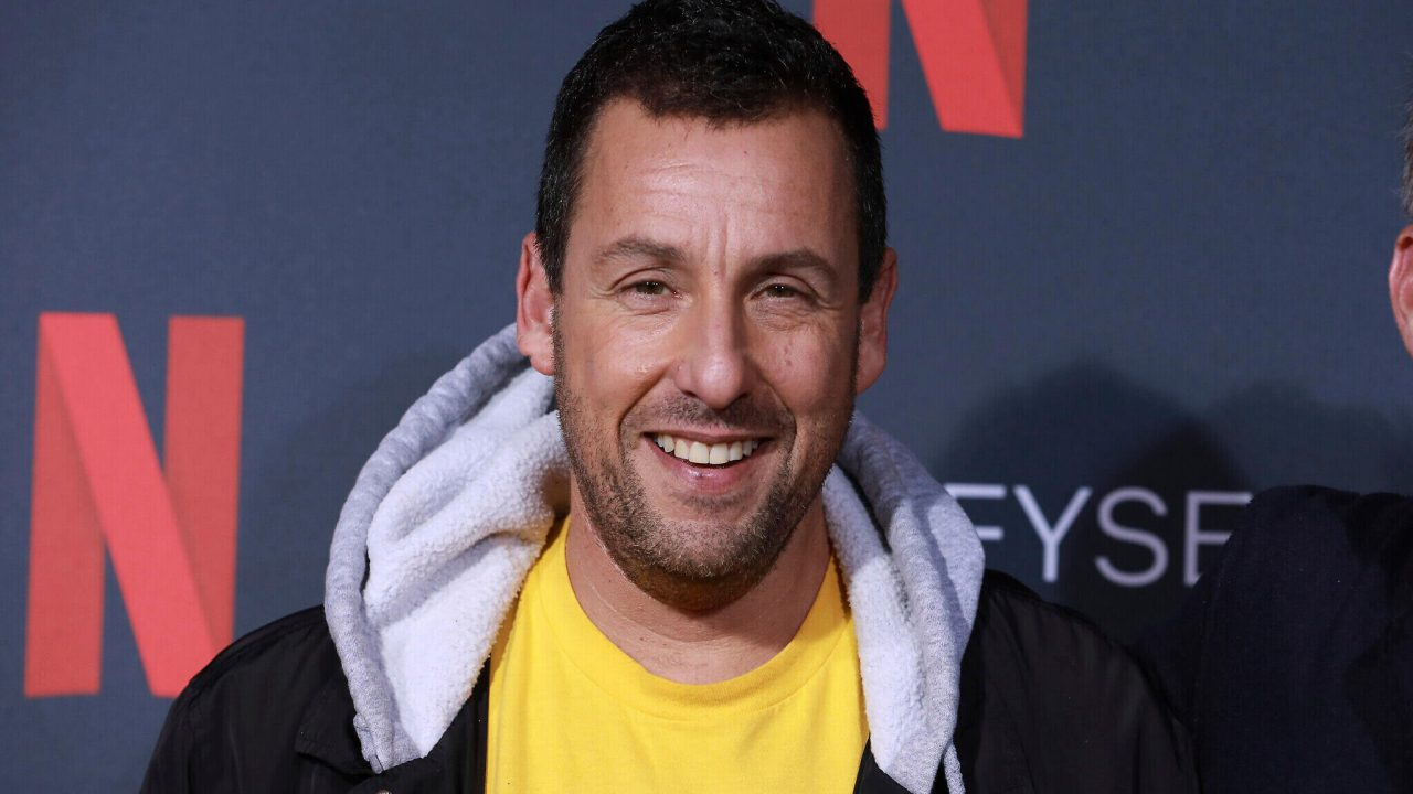 https://cinemaplanet.pt/wp-content/uploads/2020/02/adam-sandler-netflix-1280x720.jpg