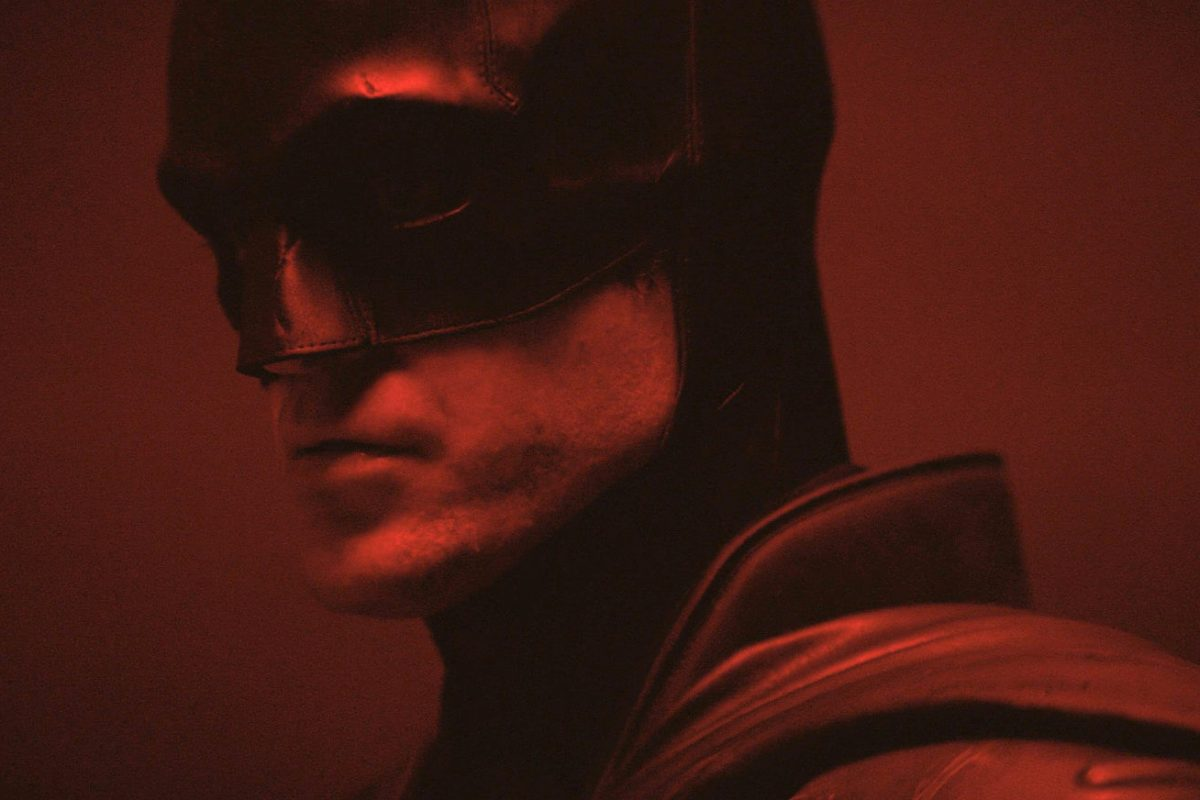 Robert Pattinson testa fato de Batman em novo vídeo
